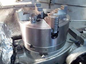 07 23 14 4 jaw lathe chuck mounted on 8 inch rotab with special nut