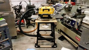 06 11 15 DeWalt planer on HF table with hose attached